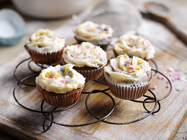 recipe image Muffins con glaseado de queso